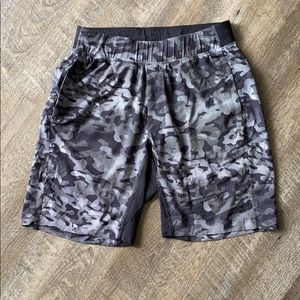 Men's lululemom athletica shorts